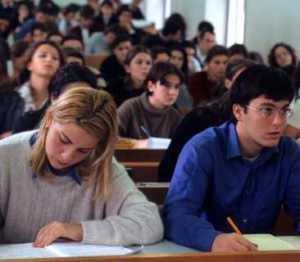 20080311_studenti-300x262 Esami di maturità in Calabria, oltre 21 mila gli studenti impegnati