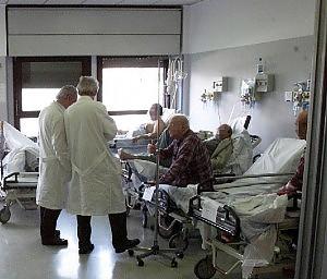 08medici Malasanità, maglia nera alla Calabria 78 morti sospette in 2 anni