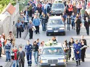 funerale_multiplo--300x225 Funerali dei 5 giovani morti nell'incidente. Lutto a San Giovanni in Fiore