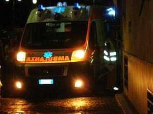 ambulanzanott0-300x225 Grave incidente sulla SS106. Un morto nei pressi di Trebisacce