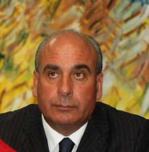 sindaco_bisignano-294x300 Il tecnico del Comune licenziato dal Sindaco è nel giusto