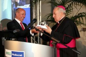 "melagrana_argento_20212 Premio ""La Melagrana d'argento 2012″ a Mons. Nunnari"