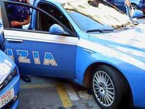 polizia_auto_agenti-300x225 'Ndrangheta,14 arresti a Reggio Calabria tra cui 4 politici