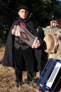Emanuele-Grispino-200x300 Emanuele Grispino: il più giovane suonatore di zampogna in Italia