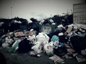 Rifiuti_Bisignano-300x225 Emergenza rifiuti. Interrogazione al sindaco