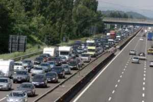 autostrada-300x200 Protesta lavoratori in mobilità. Caos sull'A3
