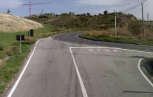 ss260-acri-bisignano-strada--300x191 Scarsa segnaletica e manutenzione sulla strada verso Acri