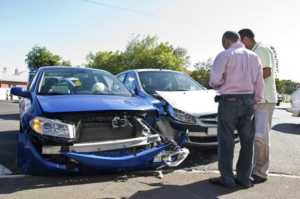 auto-assicurazione-300x199 Nuove norme sulla perizia assicurativa. Tutto quello che bisogna sapere sul risarcimento di un sinistro