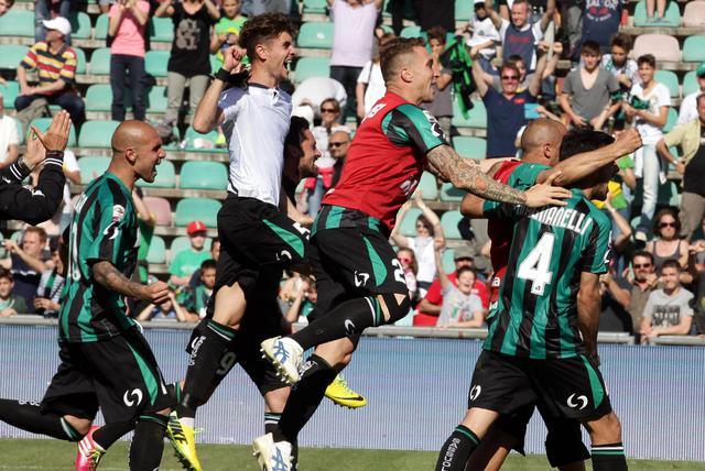 Sassuolo-Crotone 2-1, beffa finale per i pitagorici