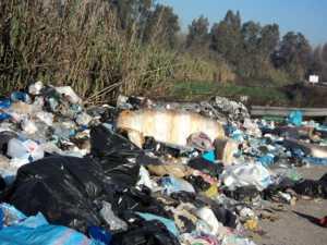 rifiuti-zona-confine-bisignano-luzzi-300x225 Il ponte dei rifiuti
