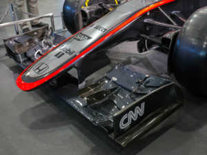 McLaren_MP4-30_front_wing_2015_Honda_Welcome_Plaza