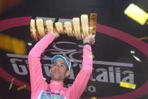 13335436_930713473704262_43515511_n-300x200 Giro d'Italia 2016, 22 tappe, un solo vincitore