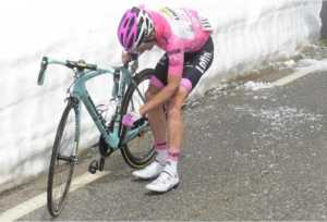 13342084_930713443704265_1482899123_n-300x204 Giro d'Italia 2016, 22 tappe, un solo vincitore
