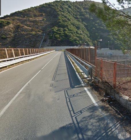 """strada197-diga-tarsia Chiusa la strada della diga di Tarsia. Cisl: """"Arrivare nella Sibaritide è diventata un'impresa"""""""