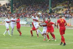 """cosenza-in-gol-300x203 Cosenza, che """"goduria"""" contro il Catanzaro"""