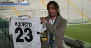 modesto-300x158 Cosenza, Arrestato un calciatore