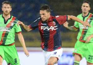 verdi-bologna-crotone-serie-a_pz981sja15831v4rvgjv0nufo-300x208 Destro rovina l'esordio pitagorico in Serie A: Bologna-Crotone 1-0