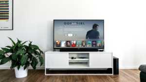 smart-tv-300x169 Cresce la tendenza delle smart tv: tra app, video on demand e social