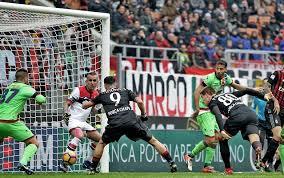 gol-milan-1-1 Milan-Crotone 2-1, decide Lapadula