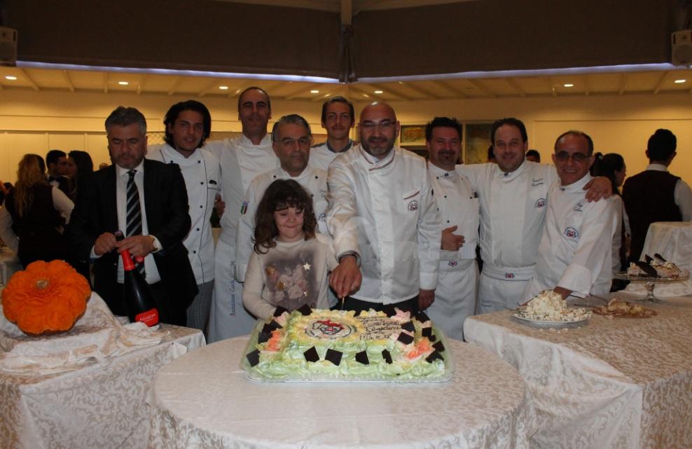 gruppo-chef-APCC Una serata all'insegna del buon cibo con la cena sociale dei cuochi cosentini