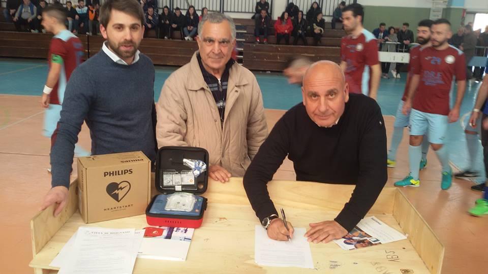 bisignano-umile-sport2 L'amministrazione comunale consegna un defibrillatore a tre società sportive