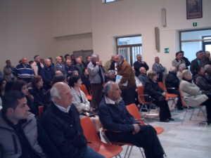 IMAG0041-300x225 Una dignitosa presenza cittadina ha accolto l'illustre Prefetto nell'aula del consiglio nel Comune di Bisignano