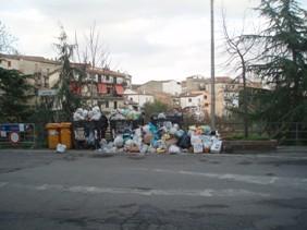 Rifiuti-a-Bisignano Risolta per ora l'emergenza rifiuti