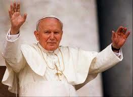 giovannipaoloii1 Santa messa e fiaccolata in occasione della beatificazione di Papa Wojtyla