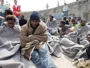 immigrati_centro-300x225 Immigrati: Sbarco di 50 egiziani nel Catanzarese