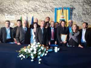 la-giunta-con-Patitucci-300x225 Patitucci cittadino onorario di Torano Castello