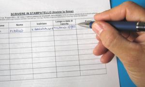 raccoltafirme-300x181 A Bisignano è iniziata la raccolta delle firme