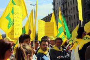 download-300x200 Agricoltori e Coldiretti in protesta