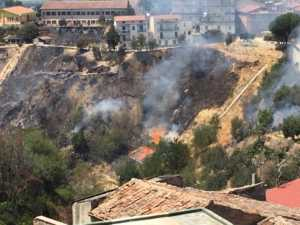brucia-piano-300x225 Bisignano e Luzzi, gli incendi continuano