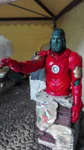 21767979_10209590104901646_5740491965962439413_n-168x300 Bronzi di Riace in armatura da Iron Man, il successo de Le Strade del Paesaggio