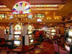 """Casino-300x225 Forse una """"ripicca aziendale"""" quella del casinò di Venezia di annullare un importante torneo di Chemin de Fer"""