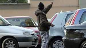 parcheggiatore_abusivo-300x170 Cosenza, controlli a tappeto nella notte. Colpiti anche i parcheggiatori abusivi