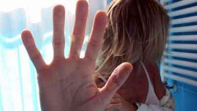 violenza-abusi Rumeno ubriaco tenta di violentare una donna. Arrestato a Roggiano Gravina