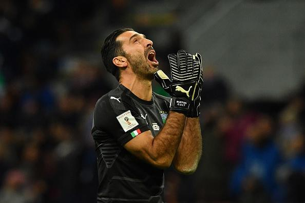 Italia, Buffon in lacrime: