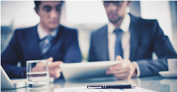 consulente-finanziario-ufficio- Il futuro dell'investimento passa dal consulente finanziario