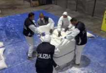 Sequestro Droga a Genova (foto Ansa)
